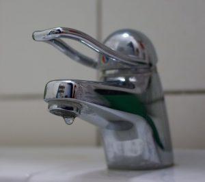 goutte-à-goutte robinet